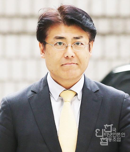 """큰사진보기 청와대 대변인의 """"정윤회씨말 그대로입니다"""" 지난 12월 2일"""